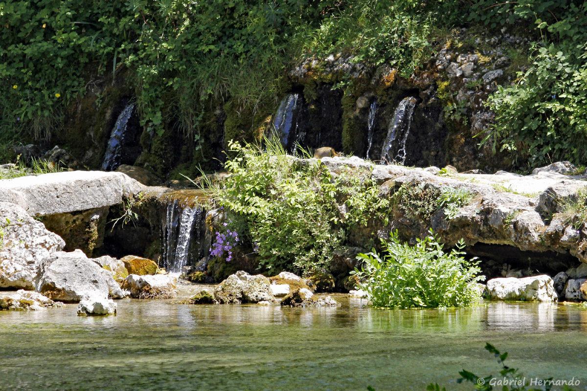 Source du Groseau, à la sortie de Malaucène, sur la route du Ventoux