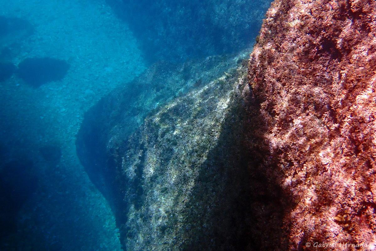 Paysage marin de la calanque de l'Oule, photographié en juin 2019