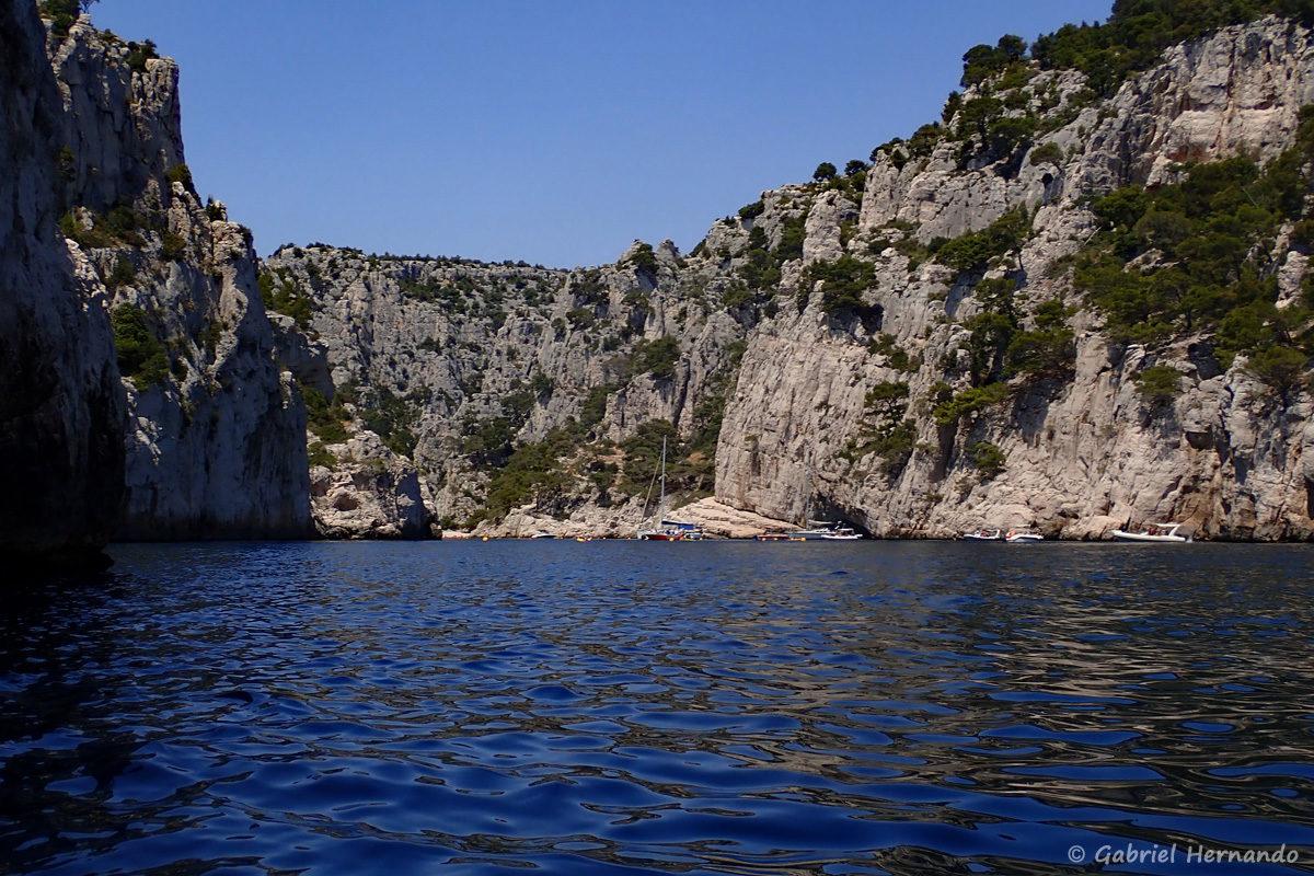 Entrée de la calanque d'En-Vau, photographiée en juin 2019, certainement la plus belle calanques entre Marseille et Cassis.