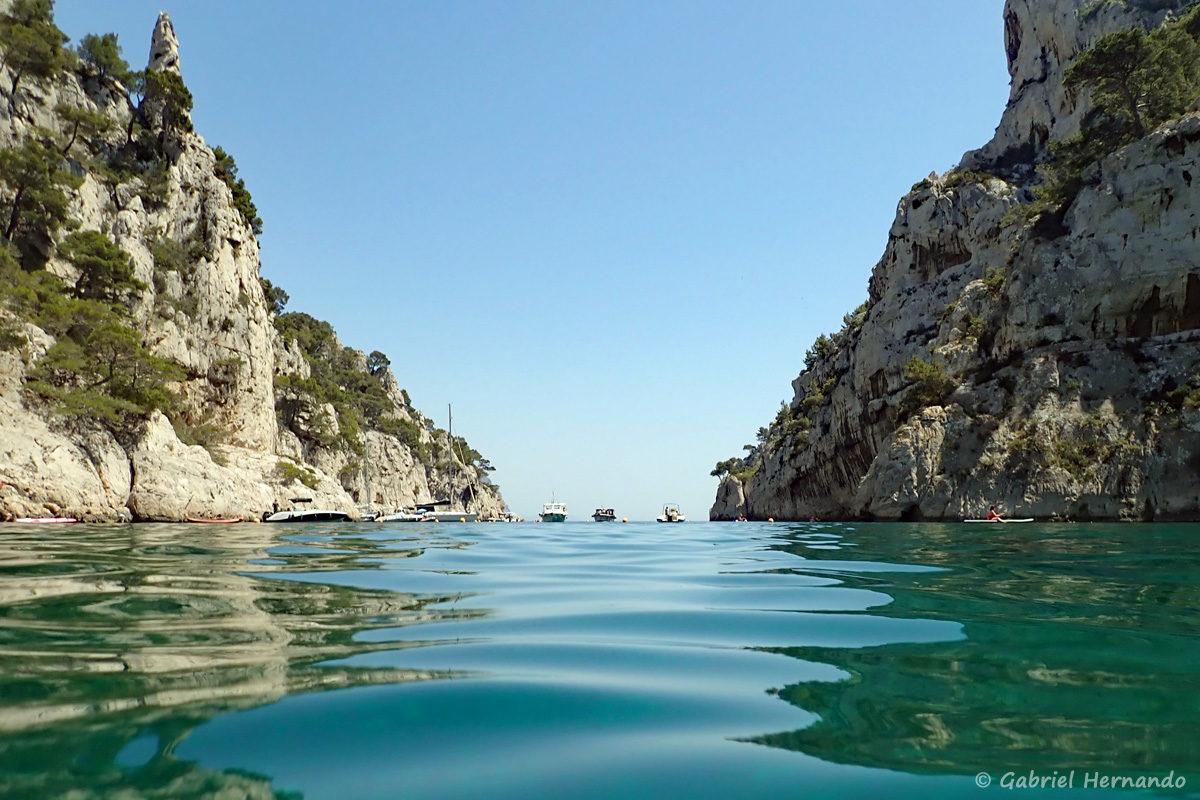 Sortie de la calanque d'En-Vau, photographiée en juin 2019, certainement la plus belle calanques entre Marseille et Cassis.