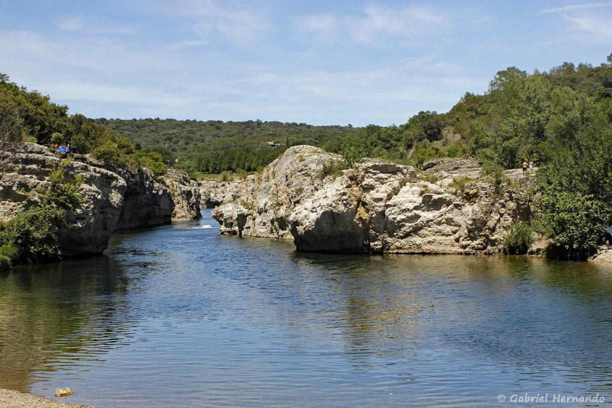 Le canyon, en aval des cascades du Sautadet, creusé par la Cèze