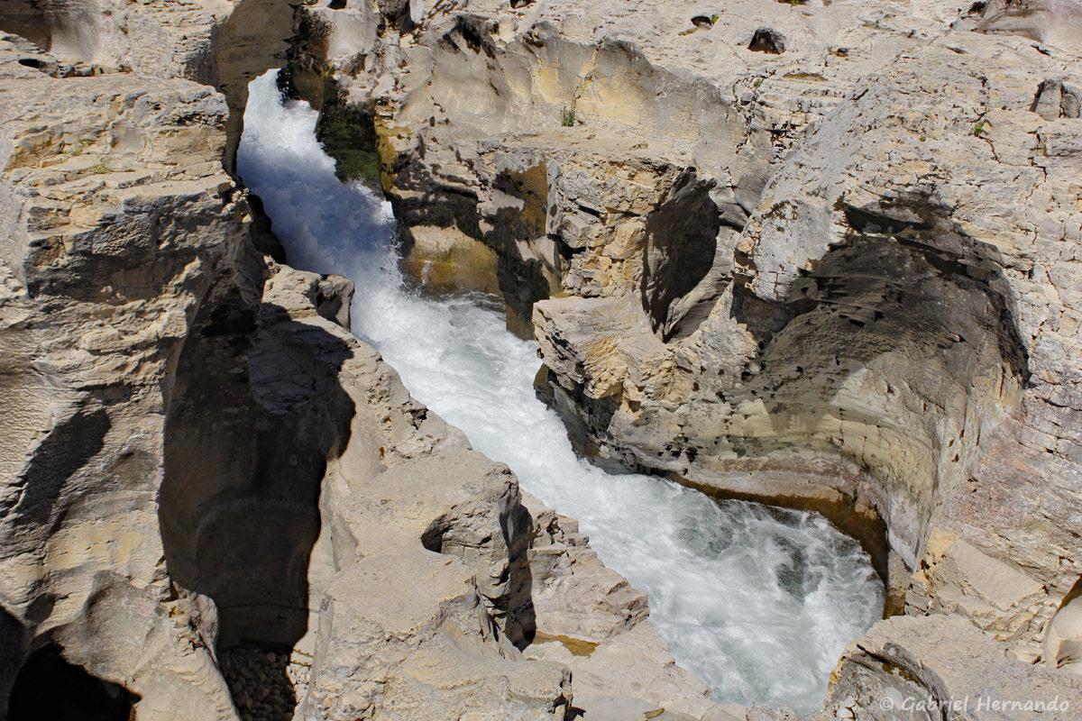 Chute d'eau et marmites du diable des cascades du Sautadet