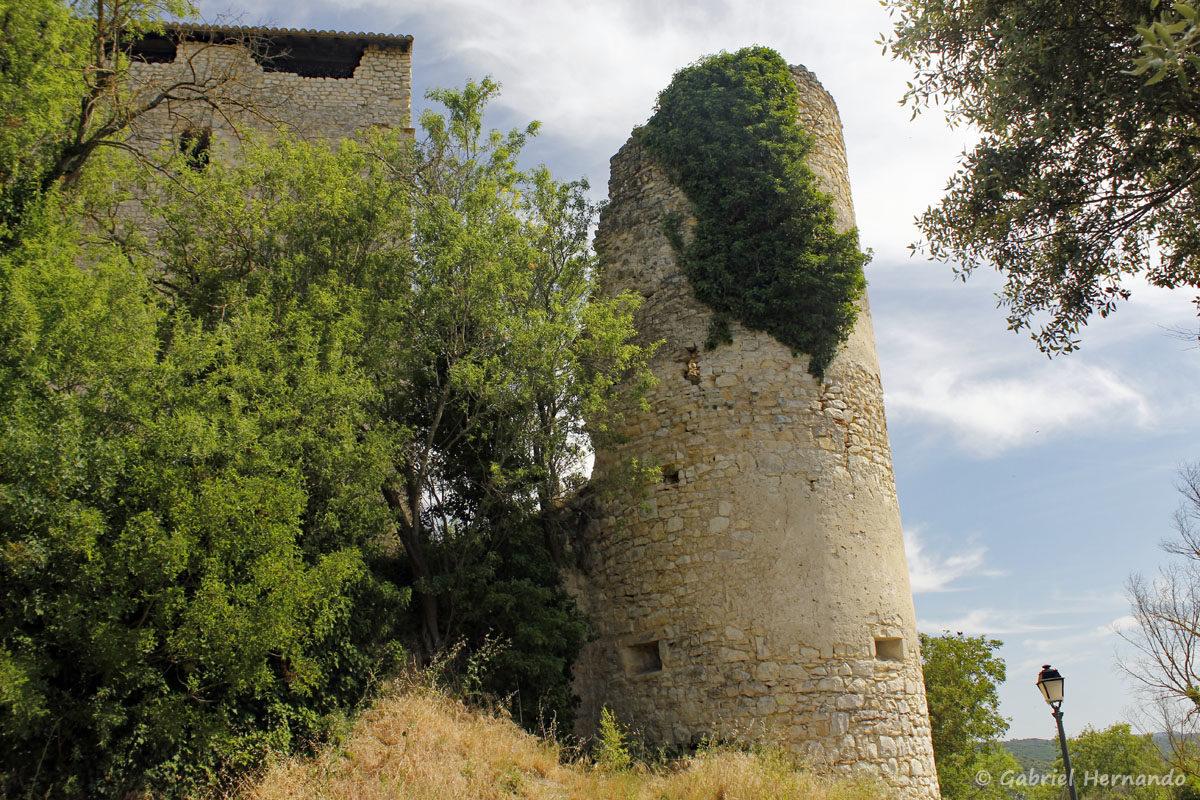 Vestiges d'une ancienne tour du château dit des Templiers, à Gréoux Les Bains
