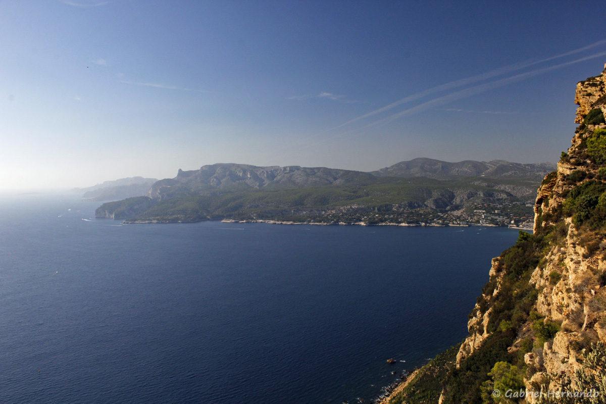 Panorama sur la baie de Cassis et le parc National des Calanques
