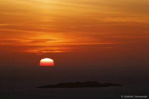 Coucher de soleil sur le parc national des Calanques, vu des Falaises Soubeyranes.