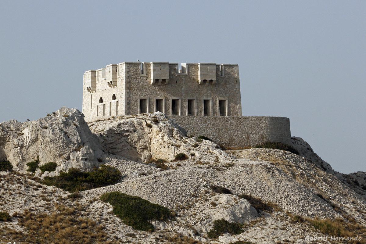 Tour de Pomeguet, construit au 19ème siècle, sur le même emplacement qu'un fortin construit sous Henri IV
