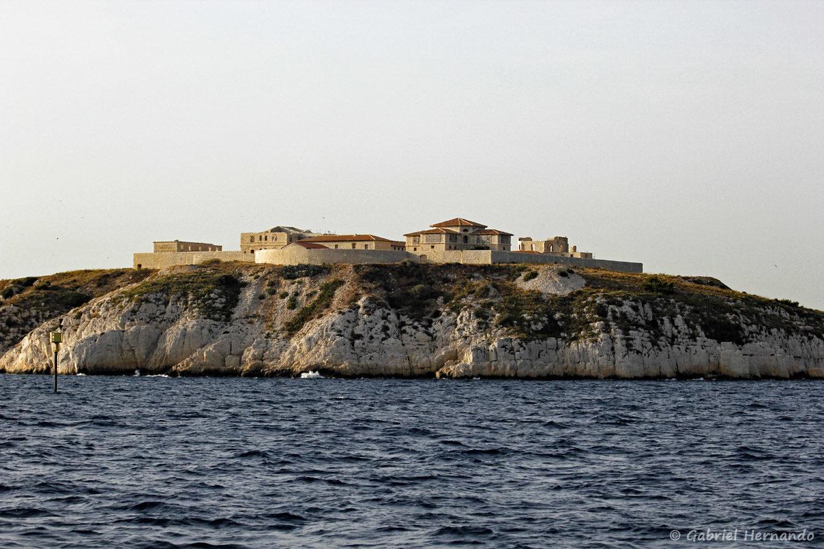 L'île Ratonneau et l'hôpital Caroline