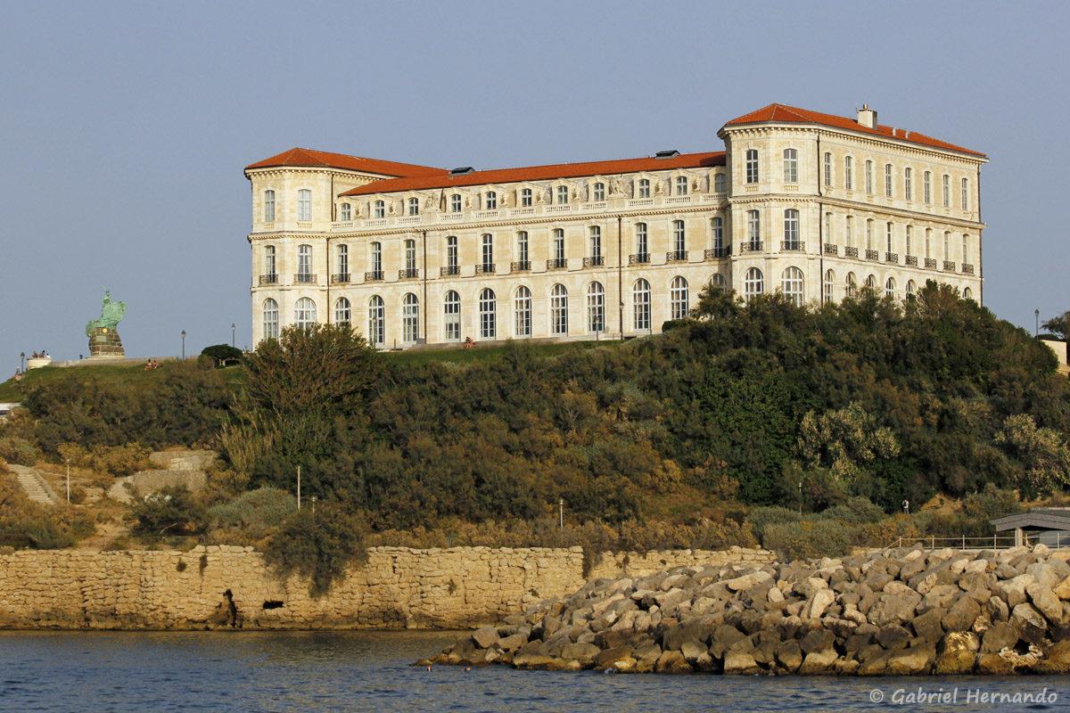Palais du Pharo, construit en 1858 par Napoléon III, qui domine l'entrée du Vieux Port de Marseille