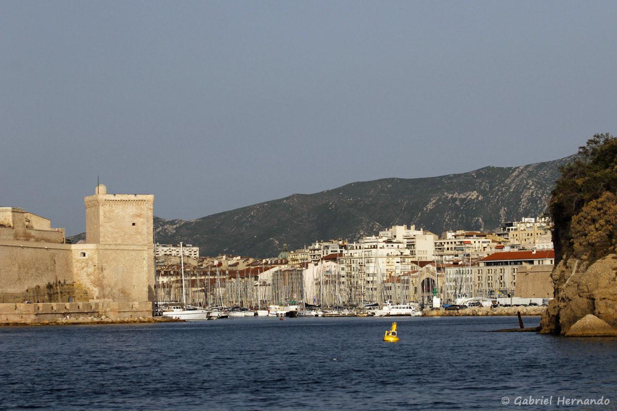 Entrée du vieux port de Marseille