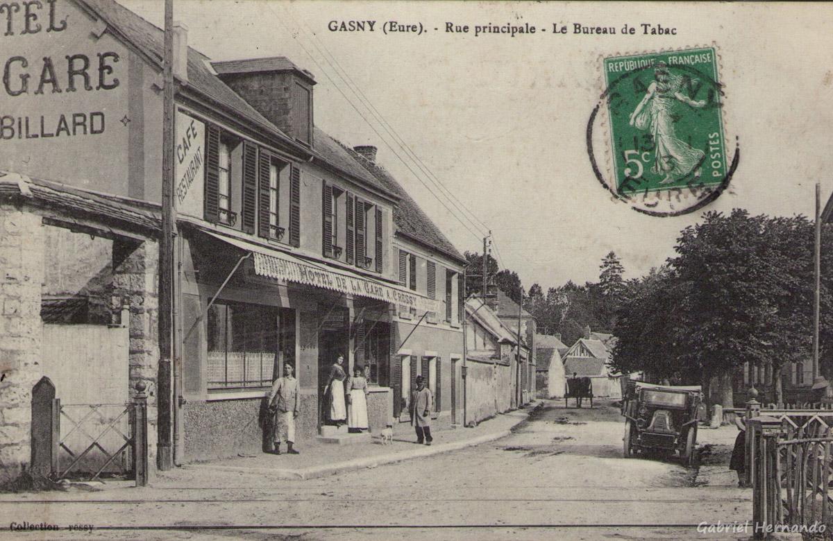 Gasny, 1913 - Rue Principale (rue de Paris) - Le bureau de tabac