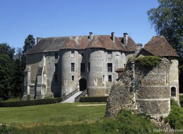 Le châtelet avec sa façade médiévale