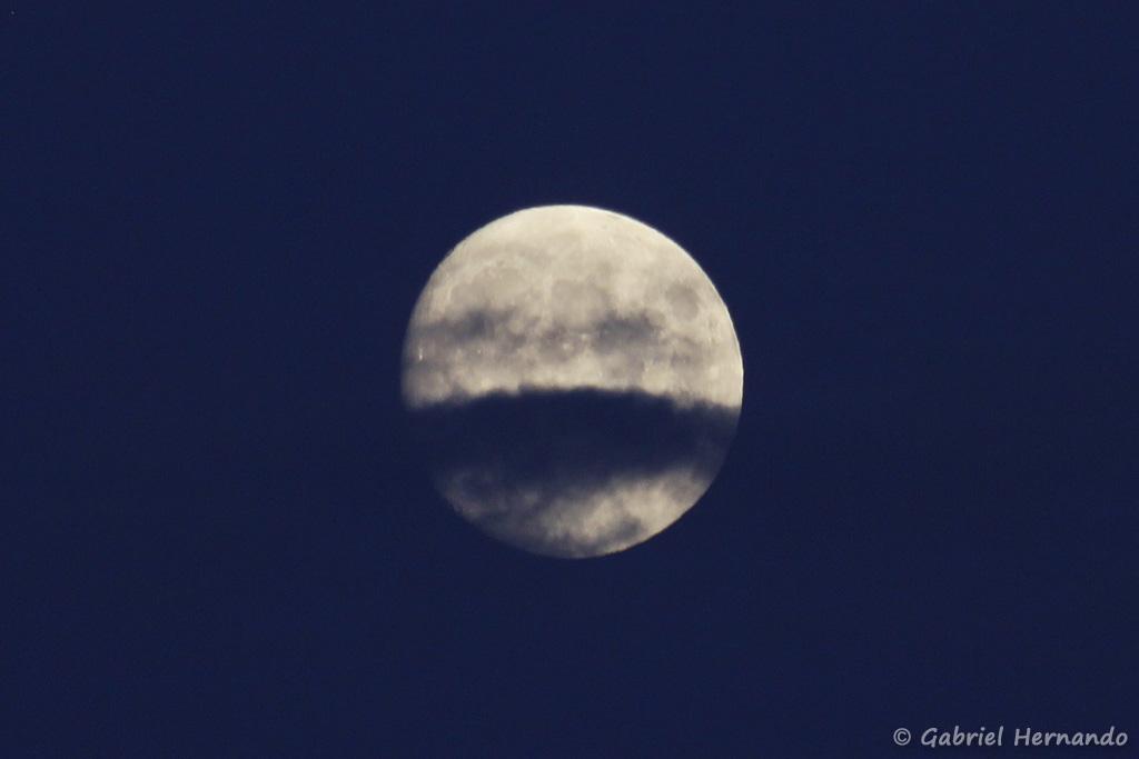 Lune nuageuse (Fécamp, août 2020)