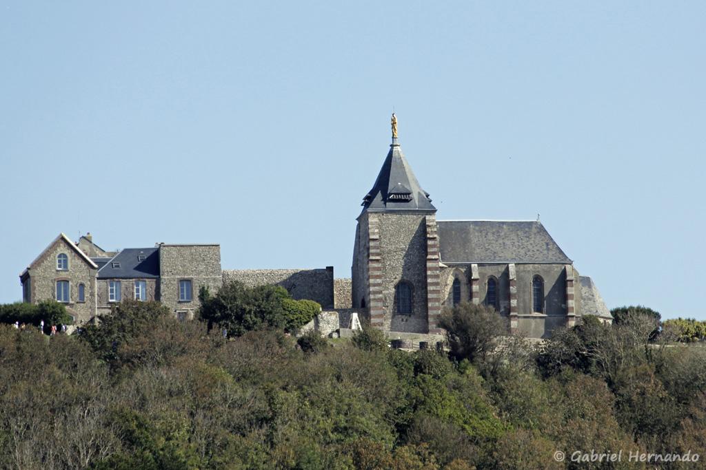 Chapelle Notre-Dame du Salut, en haut des falaises, au niveau du Cap Fagnet (Fécamp, août 2020)