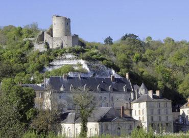Les deux châteaux de la Roche Guyon, vus des jardins du château (avril 2017)