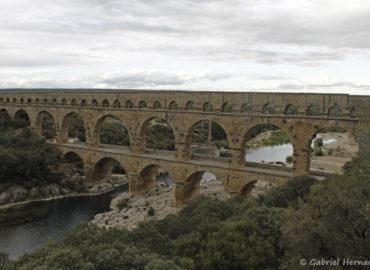 Le pont du Gard, vu de la rive droite en amont (septembre 2018)