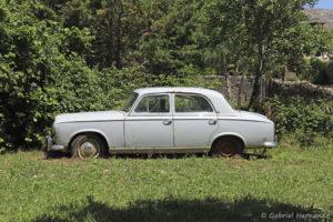 Peugeot 403 (Bozouls, Aveyron, juillet 2021)