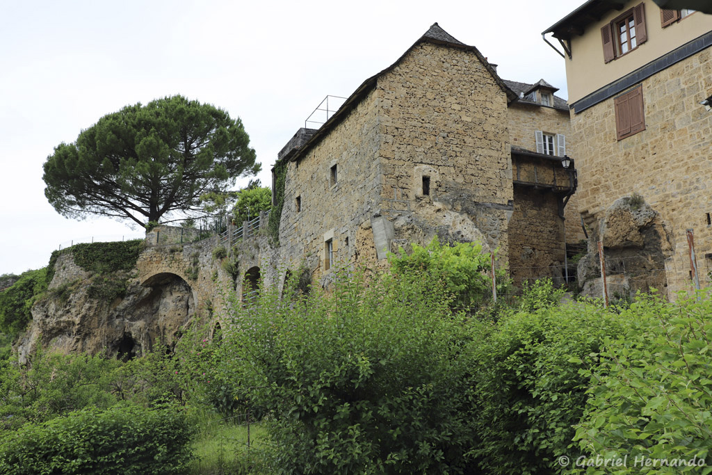 Ancienne bâtisse (Salles-La Source, juillet 2021)