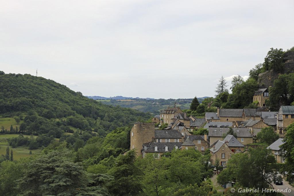 Panorama sur Salles la Source, depuis le haut du village (juillet 2021)